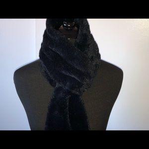 "Accessories - NWOT Faux Fur Scarf 70"""